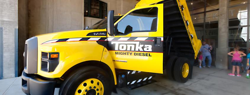2016 ford f-750 tonka truck