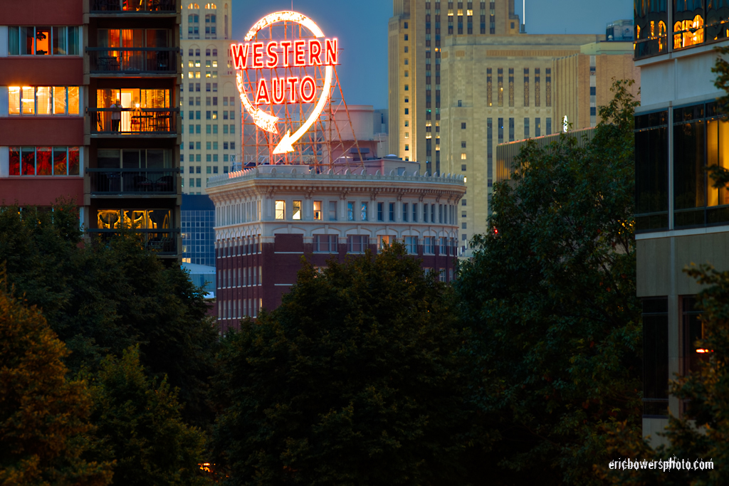 Kansas City's Western Auto Sign