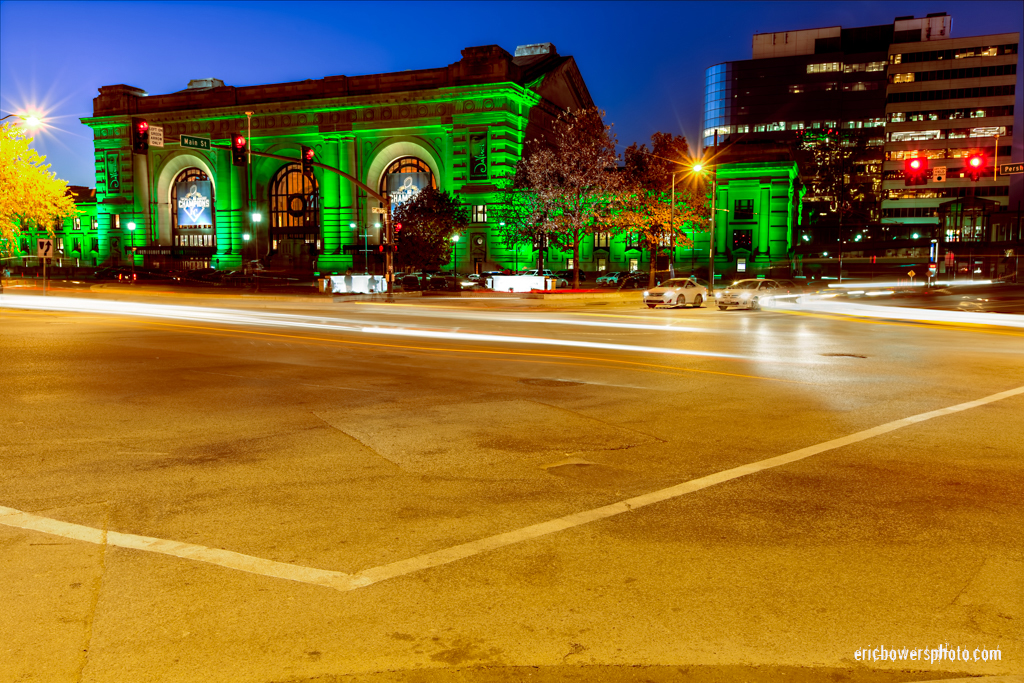 Kansas City Union Station Lit Green for Veteran's Day