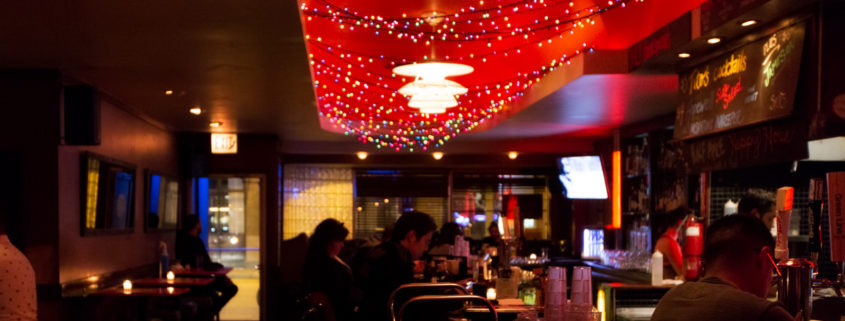 Bars and Nightlife of Chicago: Estelle's Lounge