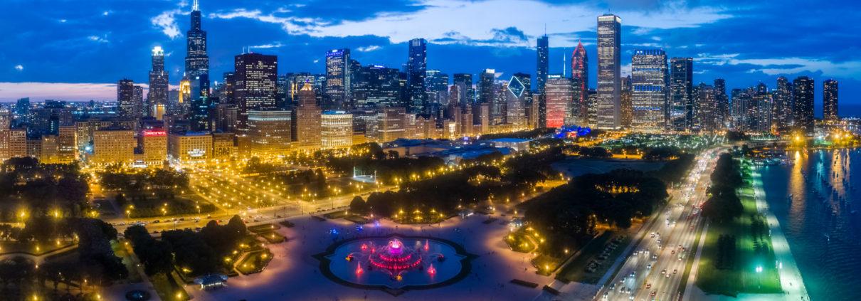 Chicago Loop Skyline - Grant Park & Buckingham Fountain
