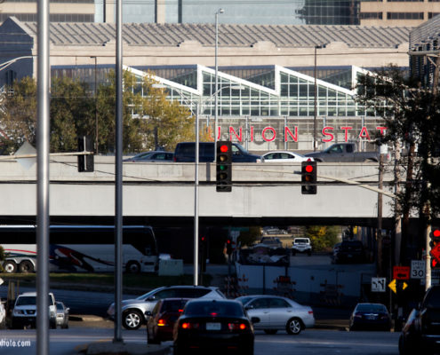 Traffic at Avenida Cesar Chavez with I-35 and Union Station