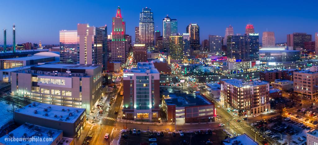 Kansas City Loews Hotel with Downtown Skyline (2)